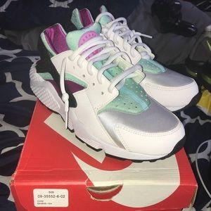 Women Nike Air Huaraches